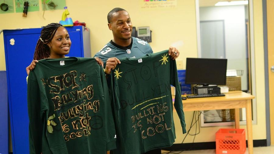 Smith and Sproles present their homemade