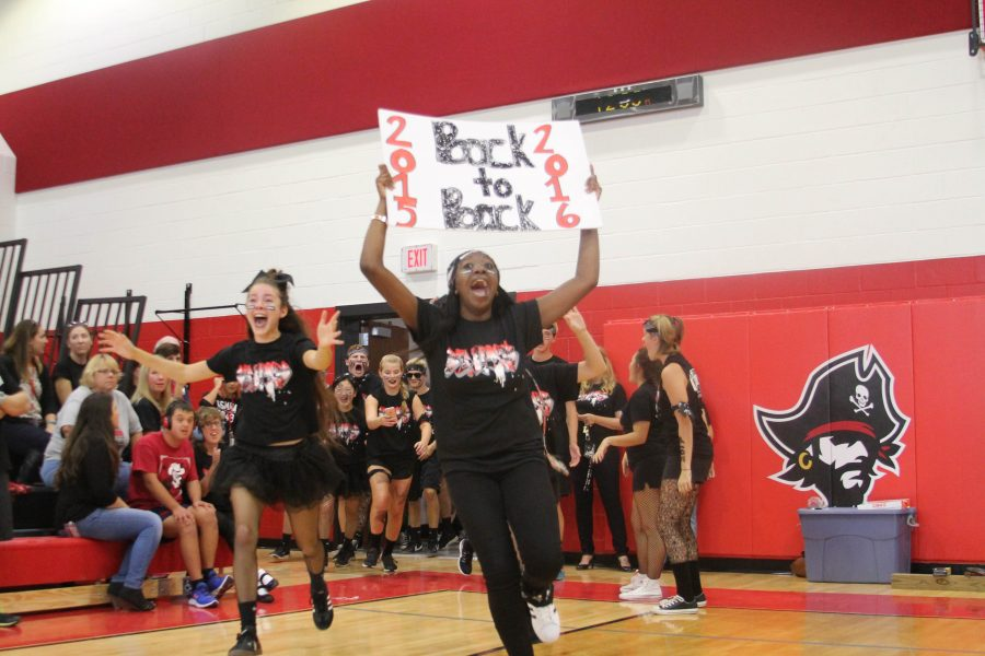 Seniors Tamiya Williams and Andrea Benites lead senior class into pep rally