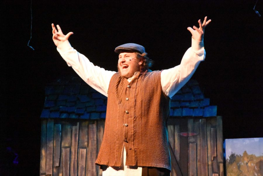 Senior+Wes+Hopkins+played+the+part+of+Tevye+during+Fiddler+on+the+Roof
