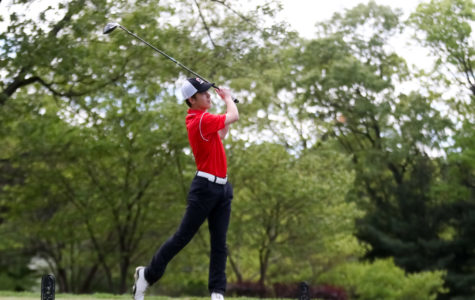 CHS Golf Team Wins 52nd Match in a Row; Prepares for Sectional Run with Senior-Filled Lineup
